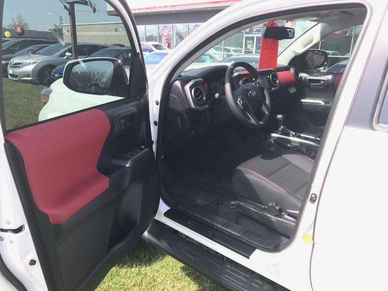 All new 2017 Toyota Tacoma SR5 4X4 Double CAB