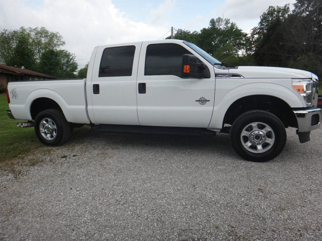always pampered 2013 ford f 250 xlt crew cab pickup 4 x4 for sale. Black Bedroom Furniture Sets. Home Design Ideas