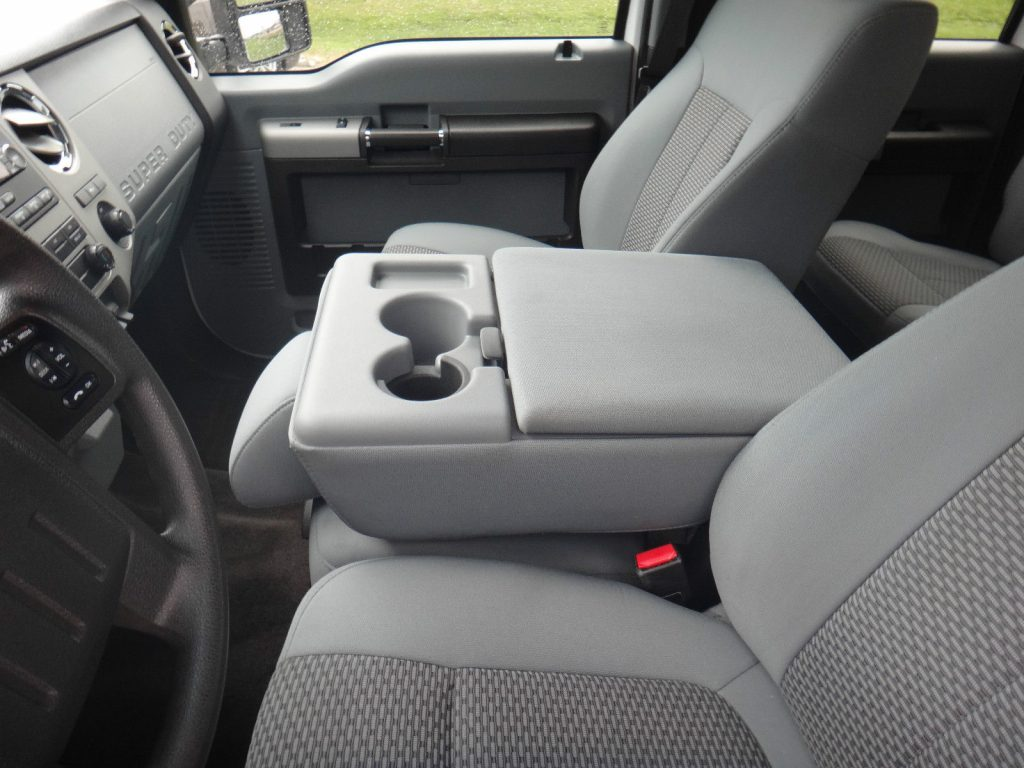 Always pampered 2013 Ford F 250 XLT Crew Cab Pickup 4 x4