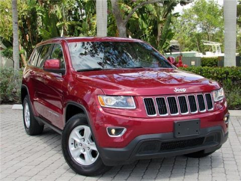 Very low miles 2015 Jeep Grand Cherokee Laredo 4×4 for sale