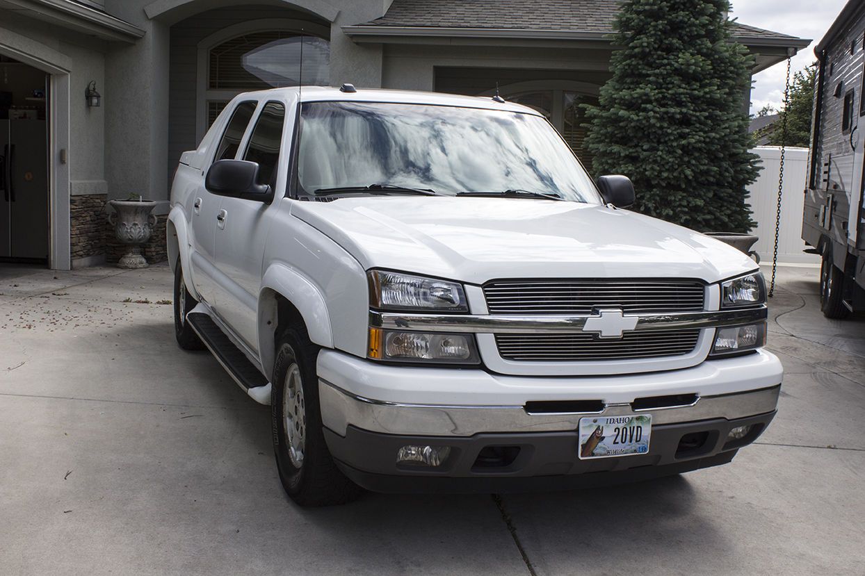 well maintained 2005 chevrolet avalanche 4 4 for sale. Black Bedroom Furniture Sets. Home Design Ideas