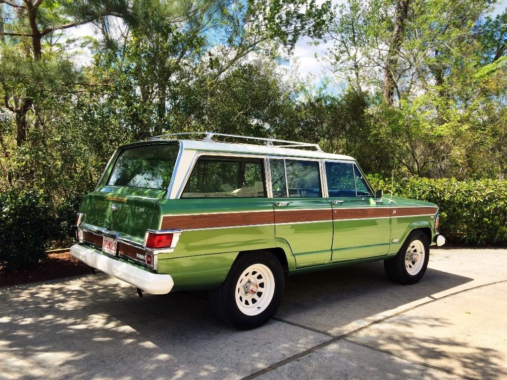 Absolutely Stunning 1970 Jeep Wagoneer 4 215 4 For Sale