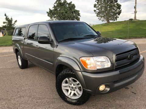 Extra camper shell 2005 Toyota Tundra trd 4×4 for sale