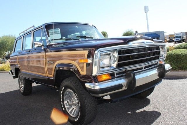 Flawless 1989 Jeep Wagoneer Limited 4X4