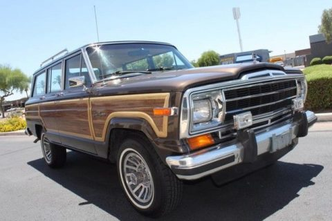 Rare color combination 1987 Jeep Wagoneer Limited 4X4 for sale