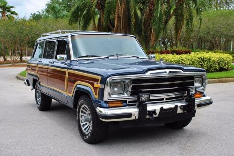 Super clean 1989 Jeep Wagoneer 4×4 for sale