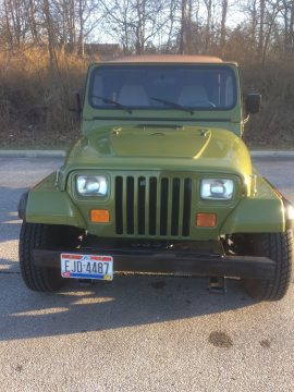 Sharp looking 1995 Jeep Wrangler rio grande 4×4 for sale