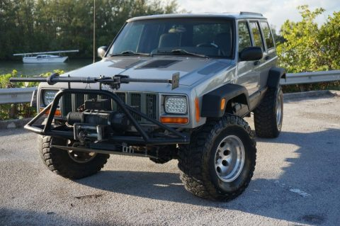 heavily modified 2001 Jeep Cherokee Sport 4×4 for sale