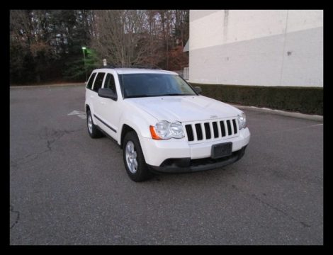 clean 2009 Jeep Grand Cherokee Laredo 4×4 for sale
