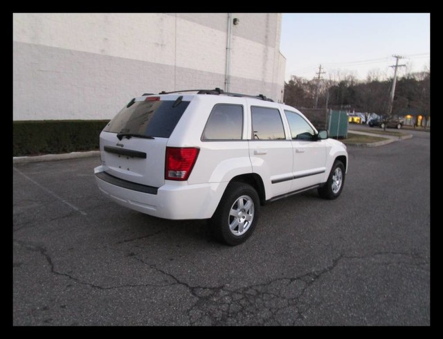 clean 2009 Jeep Grand Cherokee Laredo 4×4