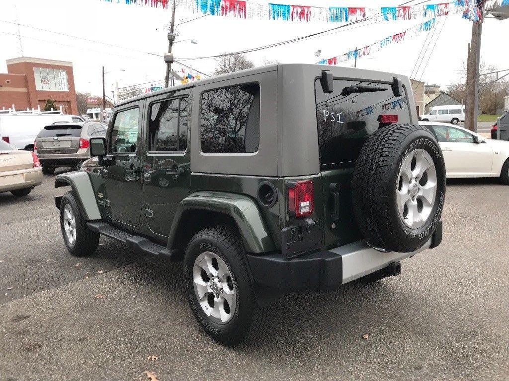 extra clean 2008 Jeep Wrangler Unlimited Sahara 4×4