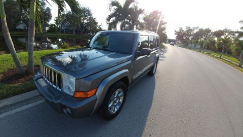 hemi powered 2008 Jeep Commander Overland 4×4 for sale