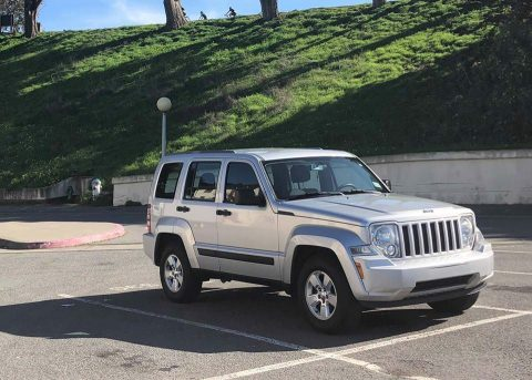 clean 2012 Jeep Liberty 4×4 for sale