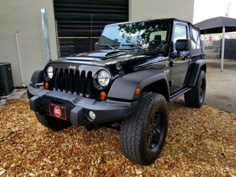 very low miles 2012 Jeep Wrangler Rubicon Call OF Duty MW3 Edition 4×4 for sale