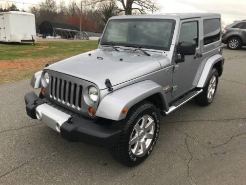 fully loaded 2013 Jeep Wrangler SAHARA 4×4 for sale
