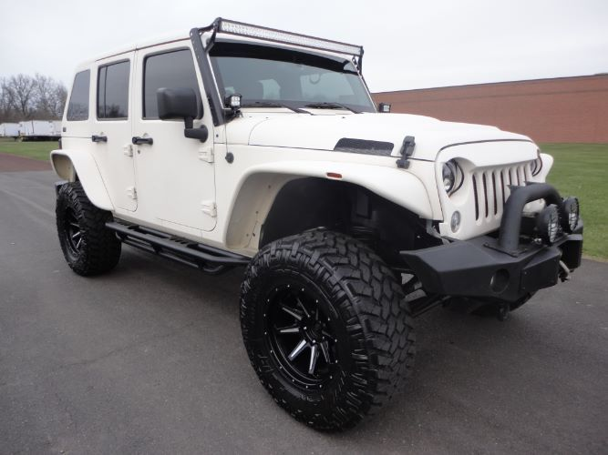 Upgraded Suspension 2014 Jeep Wrangler 4×4
