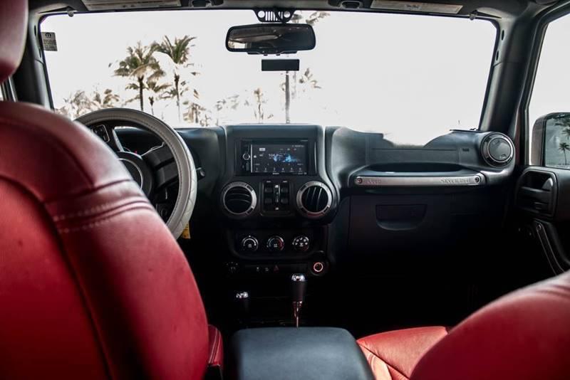 very low miles 2015 Jeep Wrangler CUSTOM 4×4