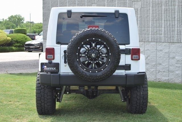 well equipped 2015 Jeep Wrangler Unlimited Rubicon 4×4