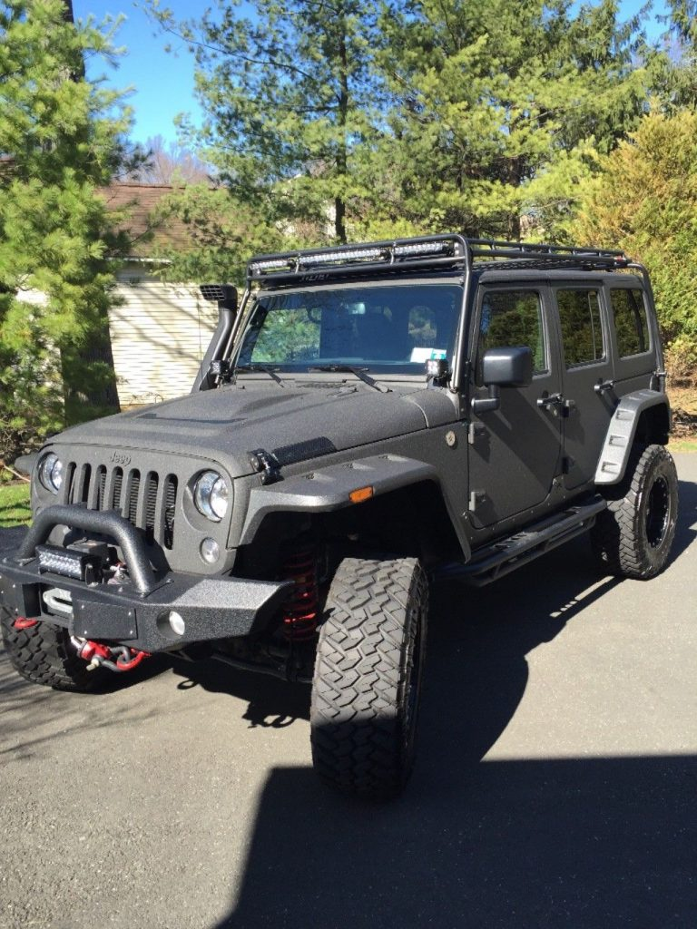well optioned 2015 Jeep Wrangler Starwood Custom 4×4