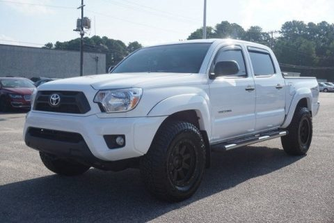 low miles 2015 Toyota Tacoma 4×4 for sale