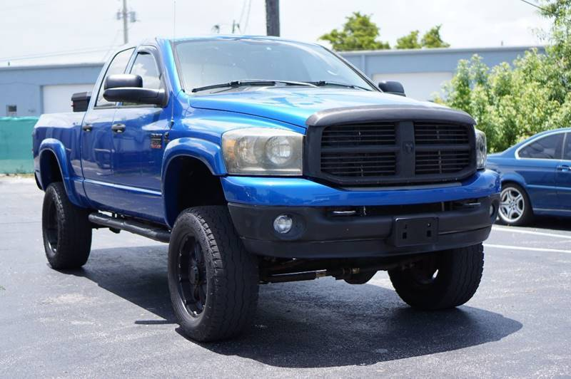 lifted 2008 Dodge Ram 2500 SLT pickup 4×4