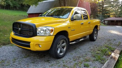 repainted left side 2008 Dodge Ram 1500 SLT Sport pickup 4×4 for sale