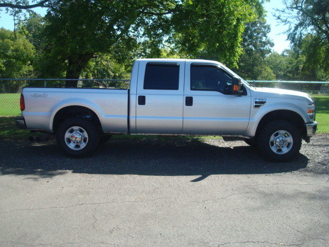 loaded 2010 Ford F 250 XLT 4×4