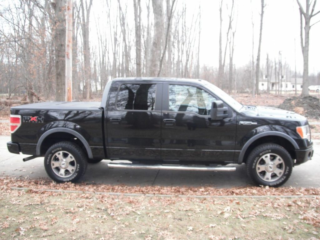 loaded with goodies 2010 Ford F 150 FX4 Supercrew 4×4