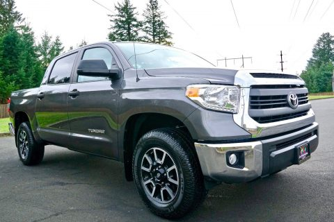loaded with options 2014 Toyota Tundra SR5 4×4 for sale