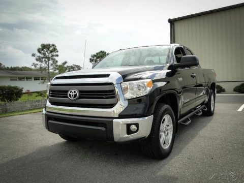 super clean 2015 Toyota Tundra 4×4 for sale
