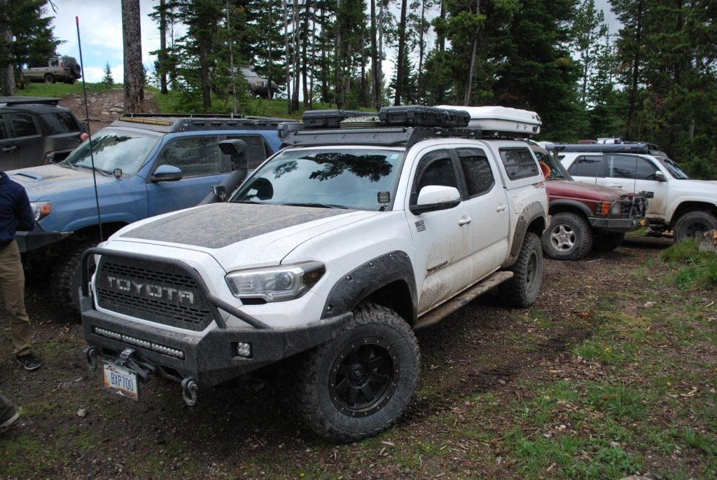 well modified 2017 Toyota Tacoma 4×4