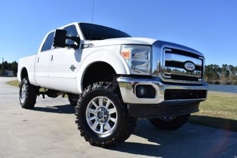 clean 2011 Ford F 250 Lariat 4×4 for sale