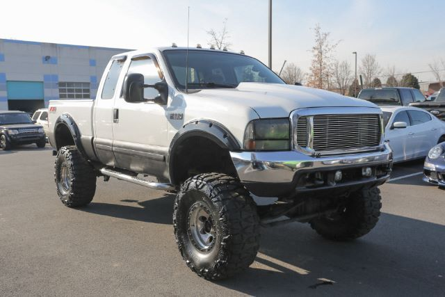 loaded 2001 Ford F 350 XLT Supercab lifted