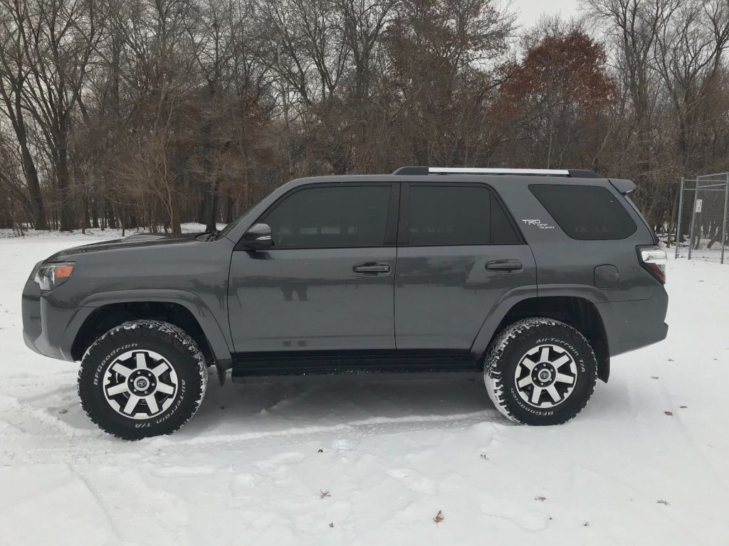 low mileage 2017 Toyota 4runner TRD 4×4