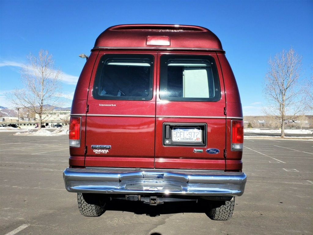 low miles 2010 Ford E Series Van Timberline Conversion 4×4