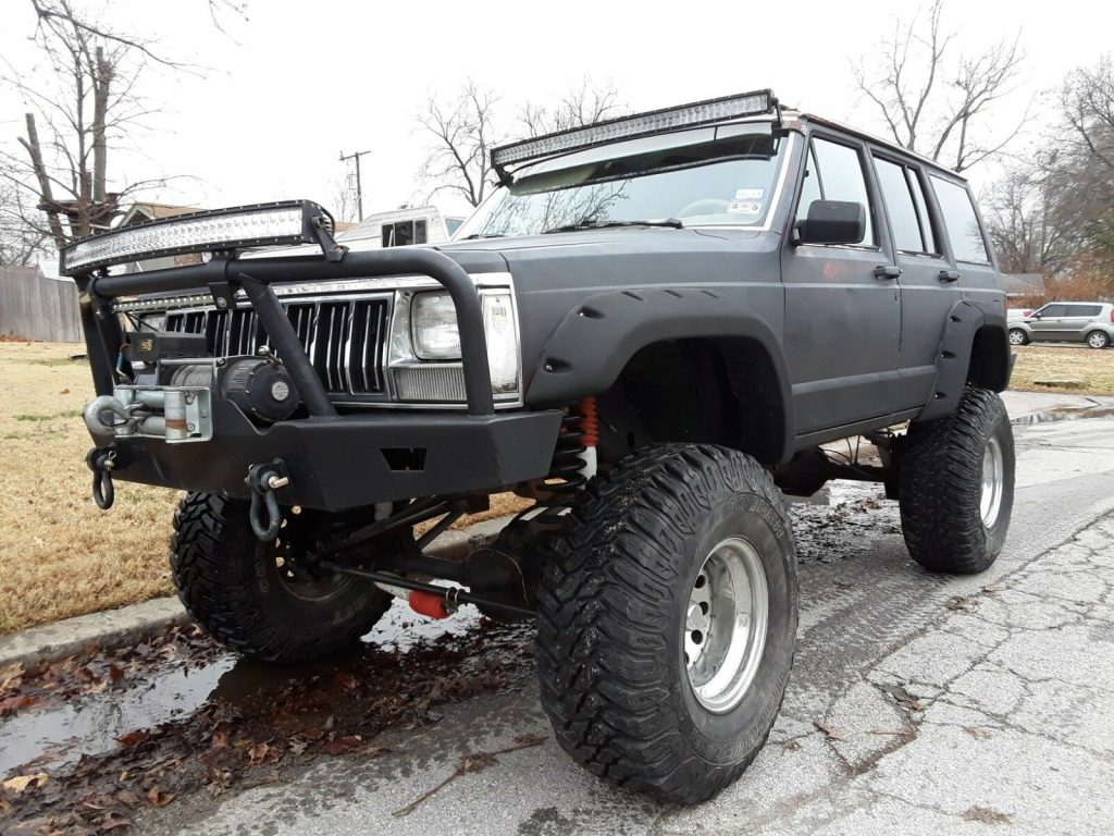 rock crawler 1990 Jeep Cherokee Laredo 4×4