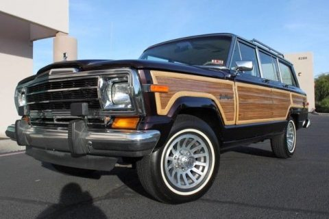 well serviced 1990 Jeep Grand Wagoneer 4×4 for sale