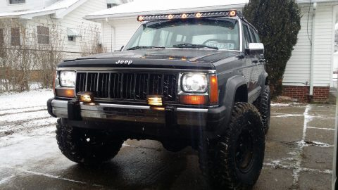 works perfectly 1990 Jeep Cherokee Laredo 4×4 for sale