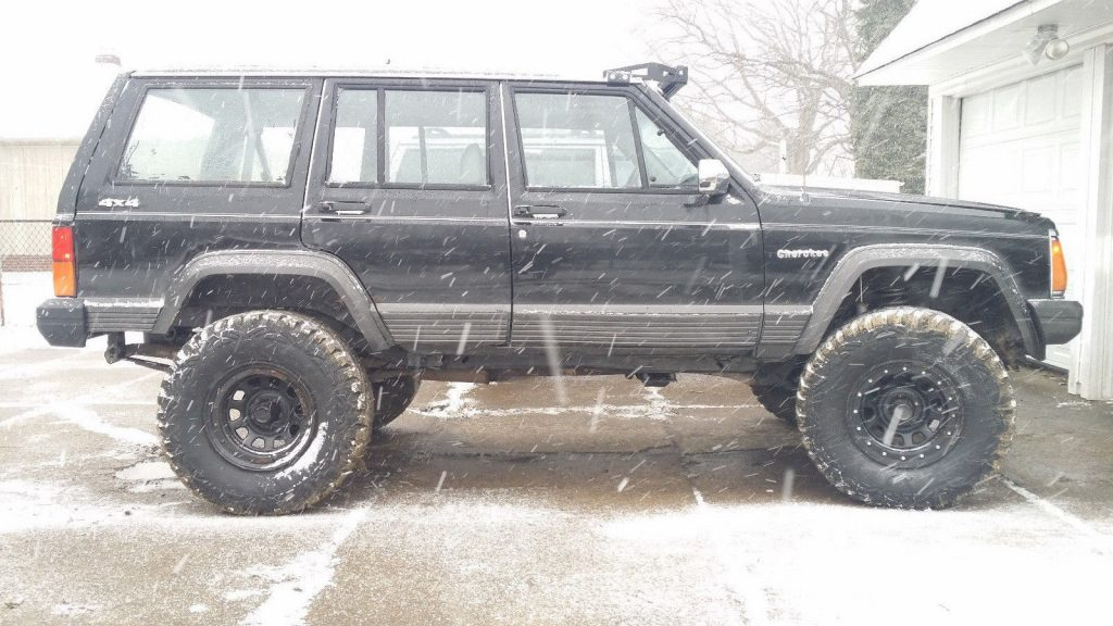 works perfectly 1990 Jeep Cherokee Laredo 4×4