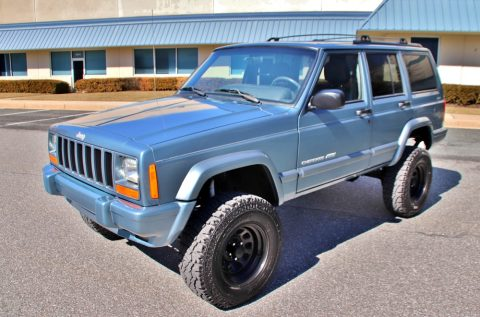 low miles 1999 Jeep Cherokee 4×4 for sale
