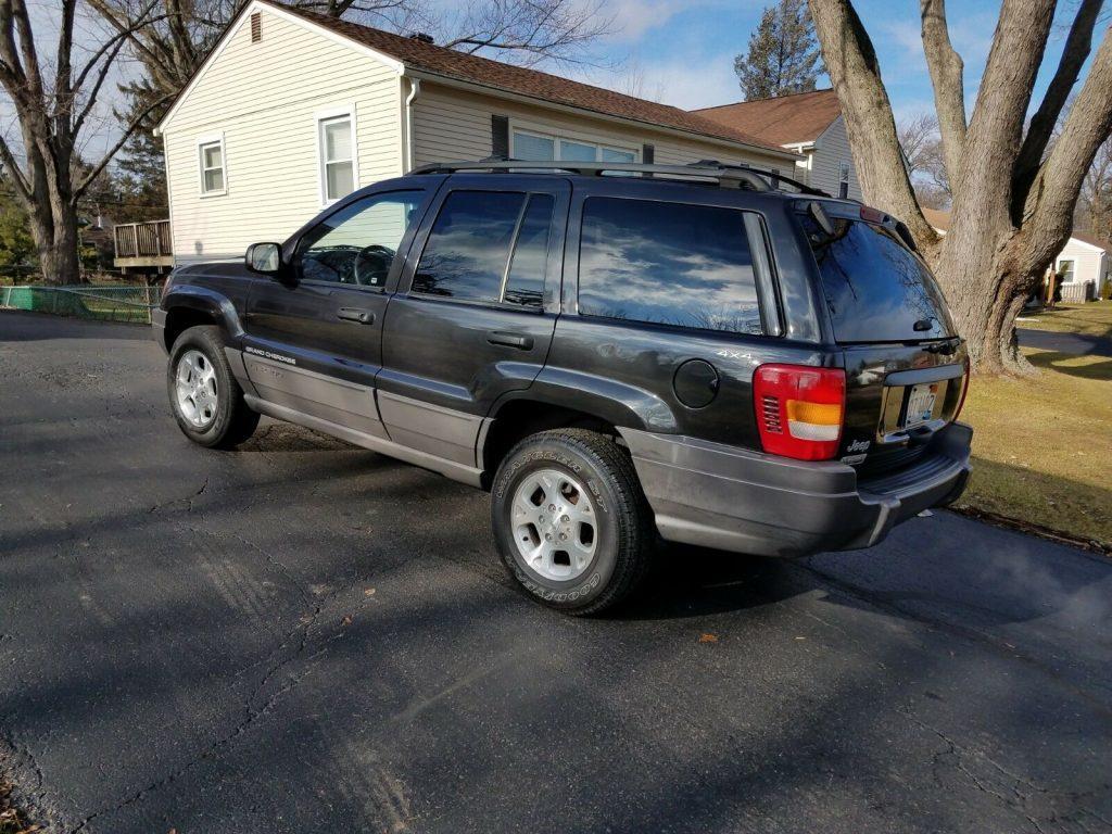 very nice 1999 Jeep Grand Cherokee Laredo 4×4