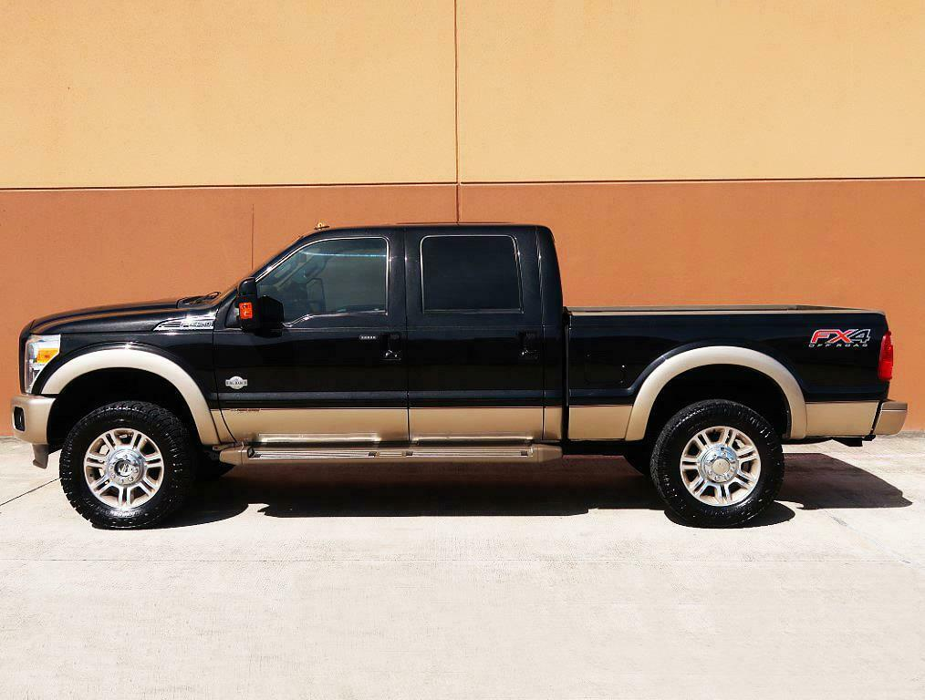 well optioned 2013 Ford F 250 KING Ranch 4×4