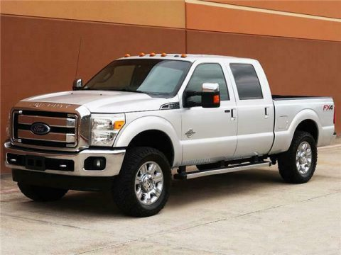 well optioned 2013 Ford F 250 Lariat 4×4 for sale