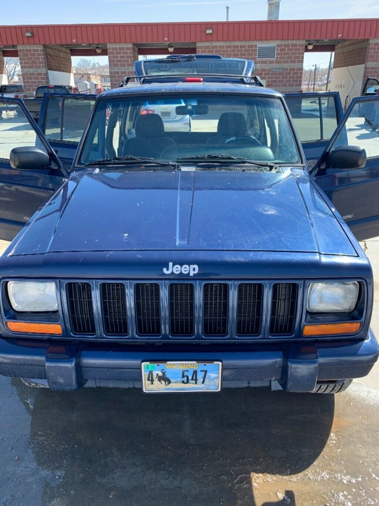 needs TLC 2000 Jeep Cherokee 4×4