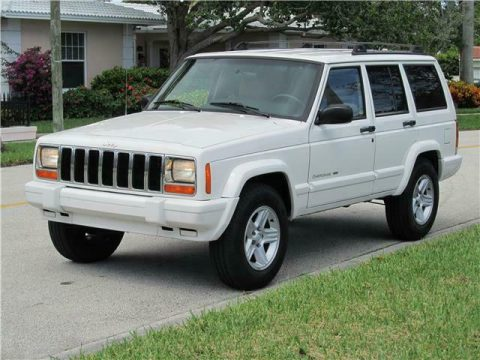 nice and clean 2000 Jeep Cherokee Limited 4×4 for sale