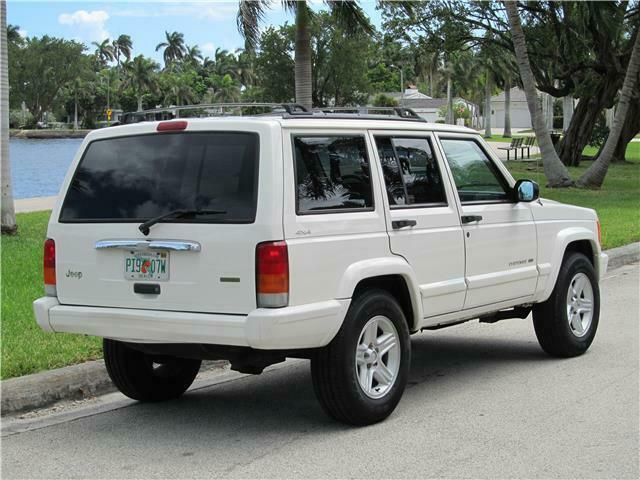 nice and clean 2000 Jeep Cherokee Limited 4×4