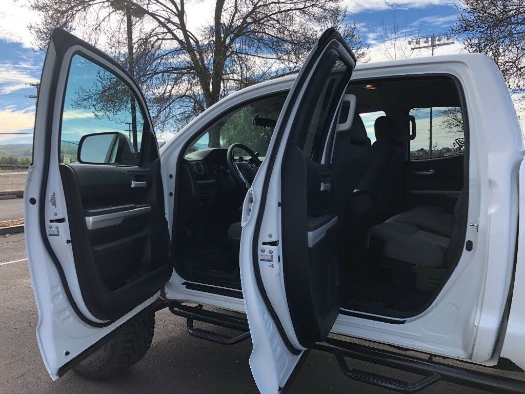 great shape 2015 Toyota Tundra Double cab 4×4