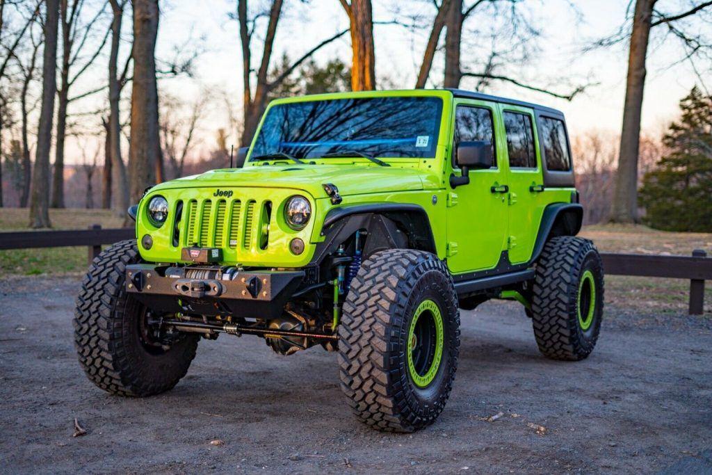 low miles 2012 Jeep Wrangler Rubicon 4×4