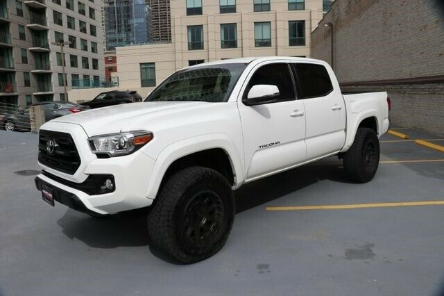low miles 2016 Toyota Tacoma TRD 4×4