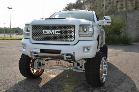 nicely customized 2015 GMC Sierra 2500 Denali 4×4 for sale